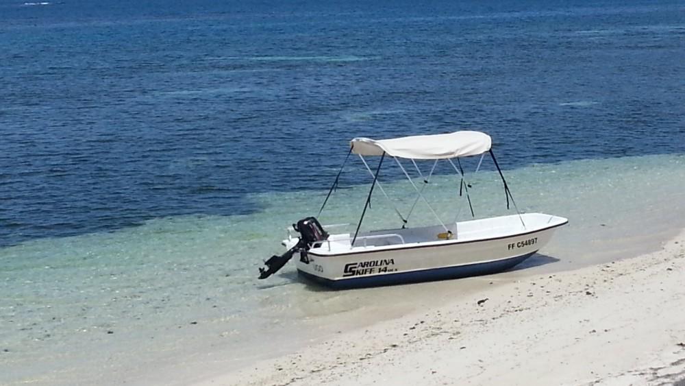 Rental Motor boat in Le François - Carolina Skiff Carolina Skiff 14