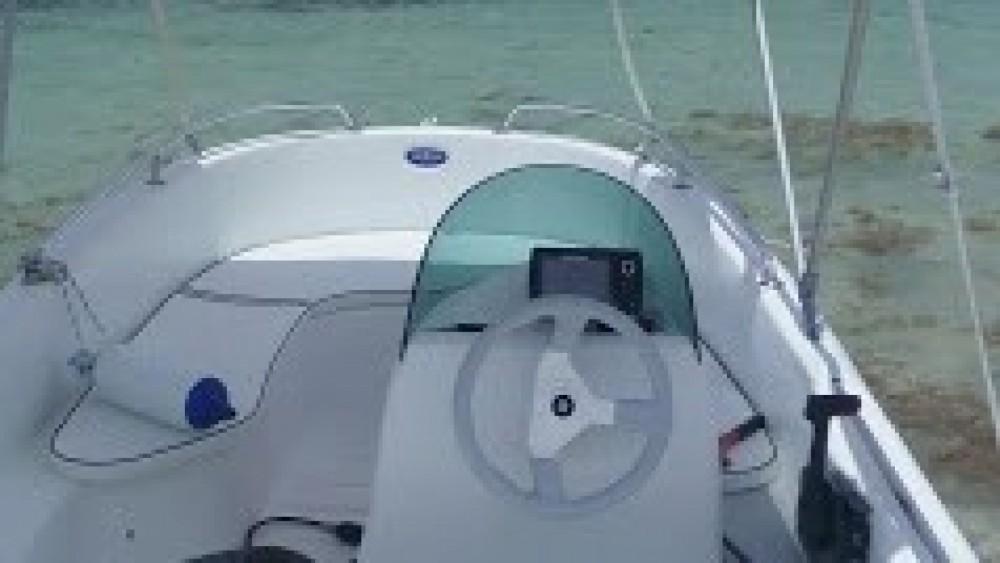 Rental Motor boat in Le François - Rigiflex Cap 400