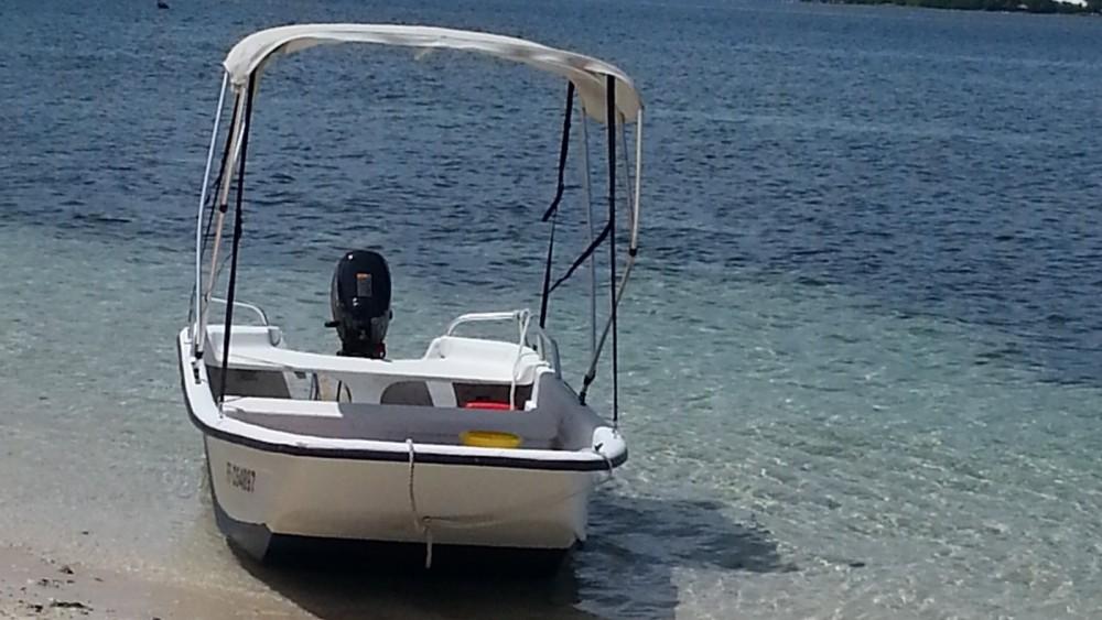 Rental Motor boat Carolina Skiff with a permit