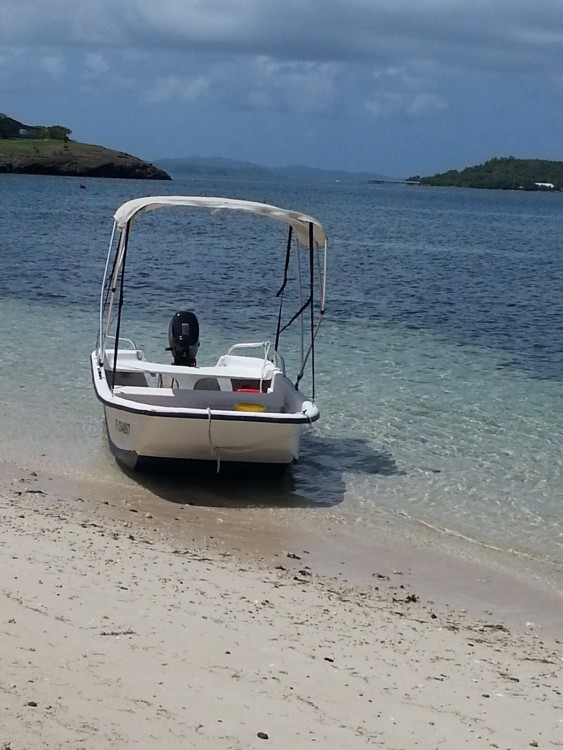 Hire Motor boat with or without skipper Carolina Skiff Le François