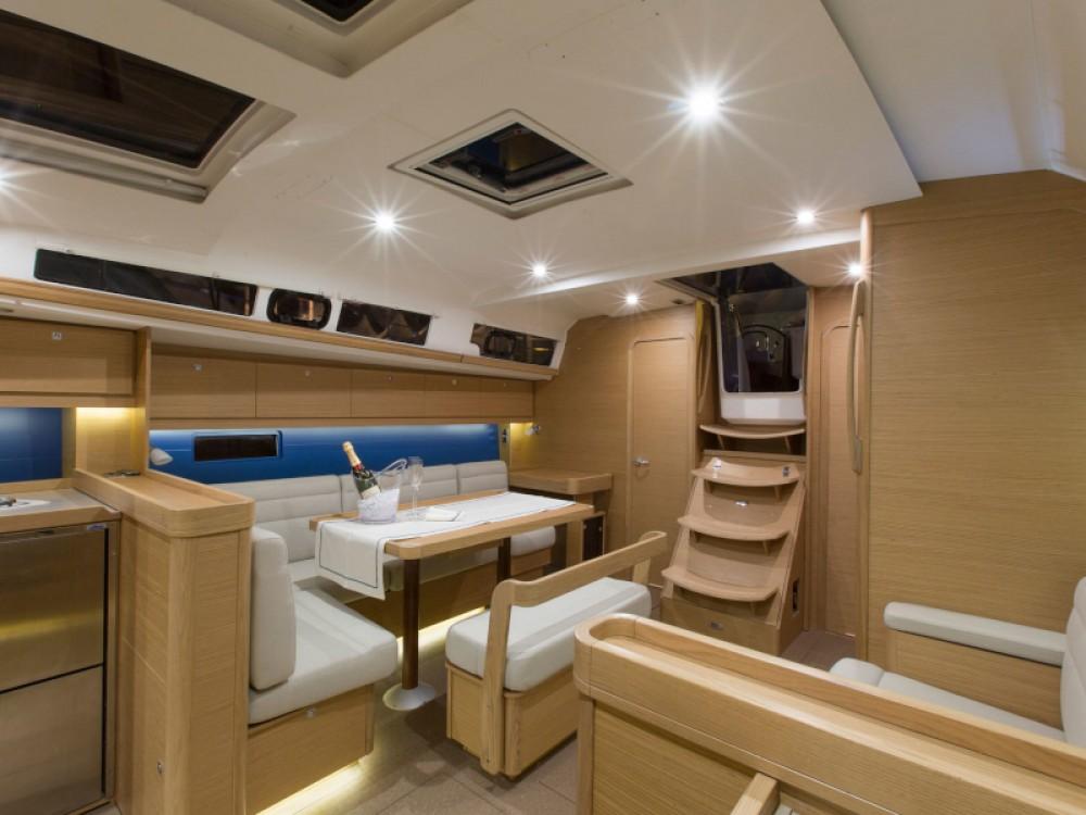 Bootverhuur Dufour Dufour 460 in Marina Gouvia via SamBoat
