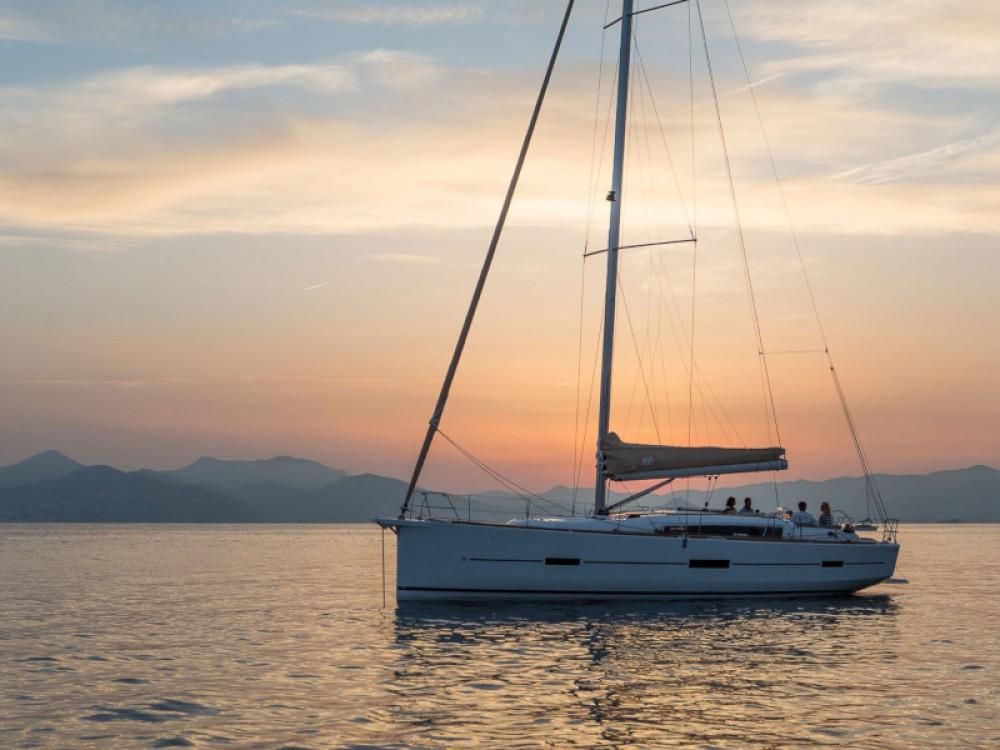 Huur Zeilboot met of zonder schipper Dufour in Marina Gouvia
