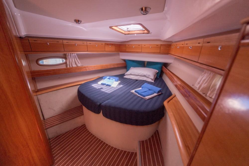 Rental Sailboat in San Roque - Bavaria Bavaria 46 Cruiser