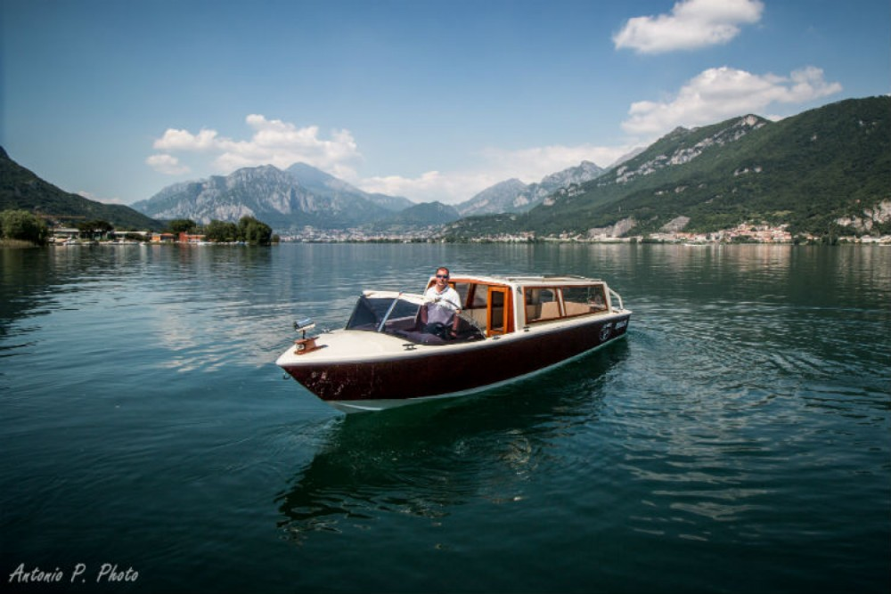 Hire Motor boat with or without skipper taxi Malgrate