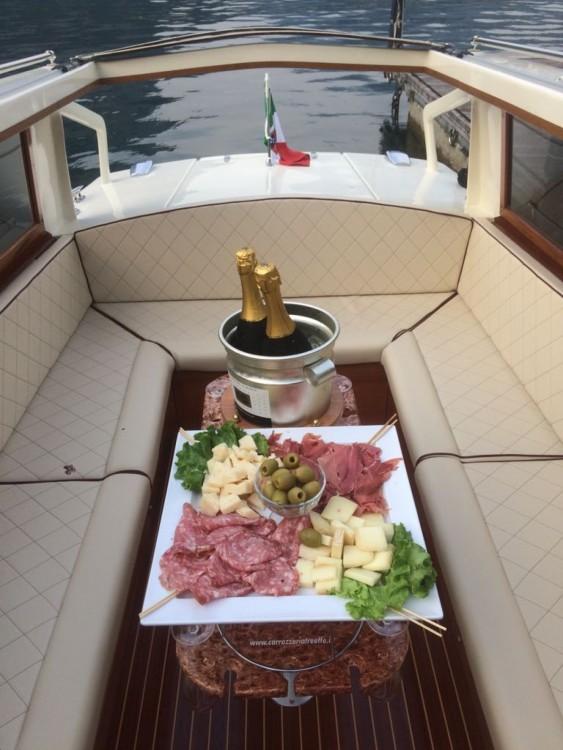 Rental Motor boat in Malgrate - taxi taxi veneziano