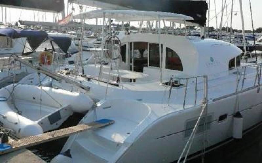 Lagoon Lagoon 380 entre particuliers et professionnel à Tropea