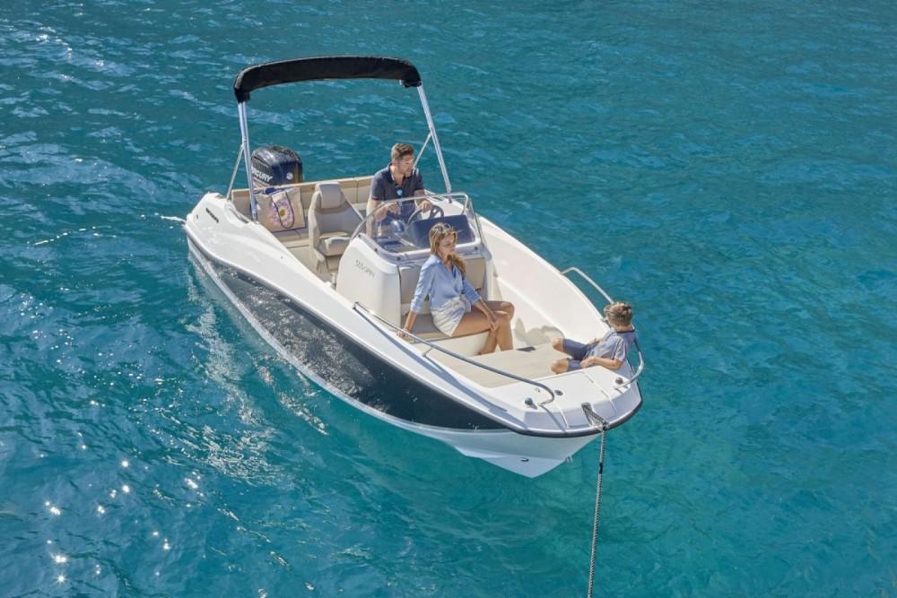 Rental Motor boat in Trogir - Quicksilver Activ 555 Open