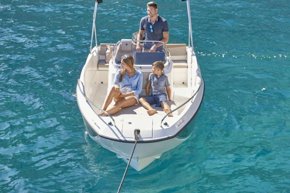 Boat rental Trogir cheap Activ 555 Open