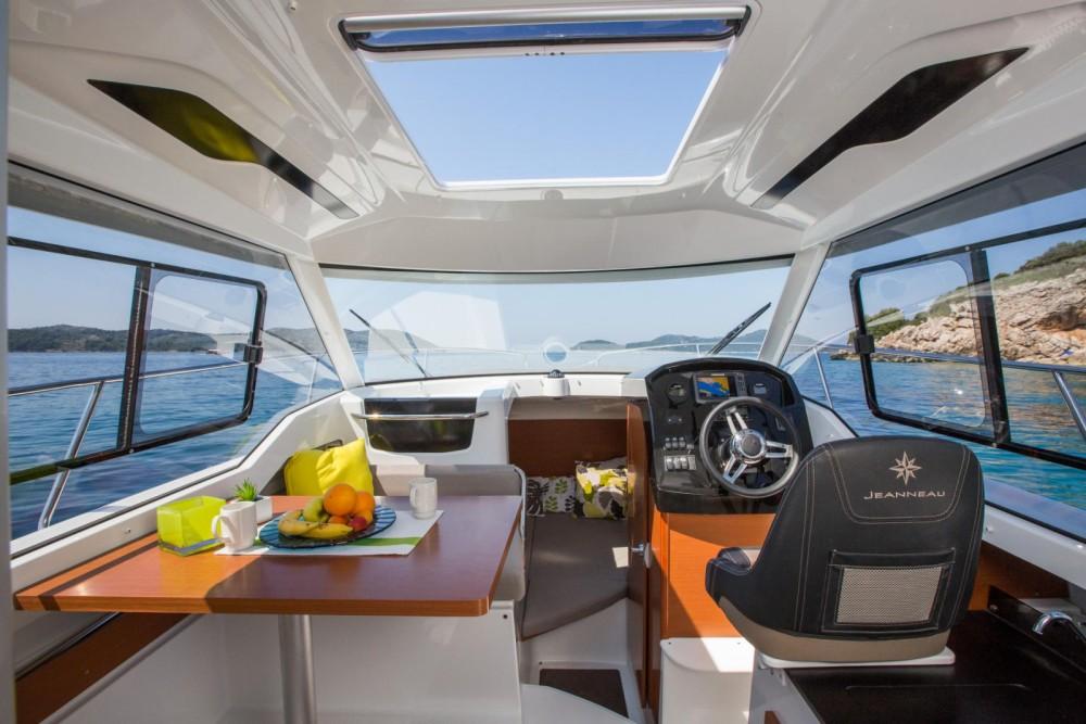 Rental yacht Trogir - Jeanneau Merry Fisher 795 on SamBoat
