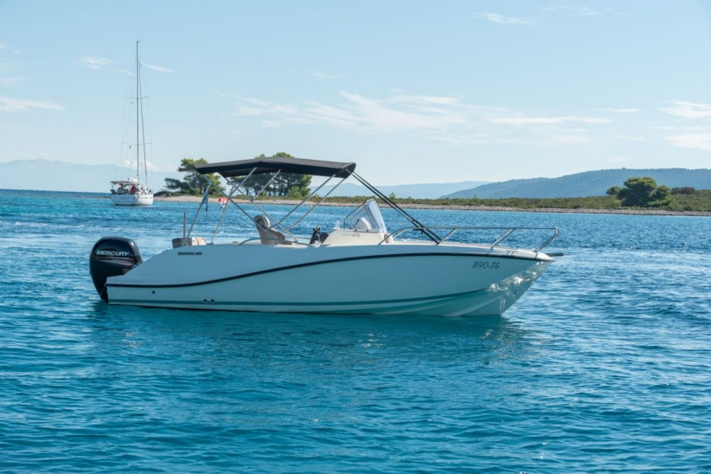 Verhuur Motorboot in Trogir - Quicksilver Activ 675 Open