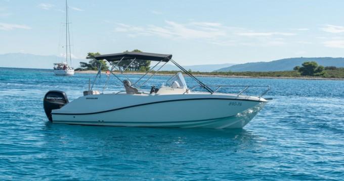 Location bateau Trogir pas cher Activ 675 Open
