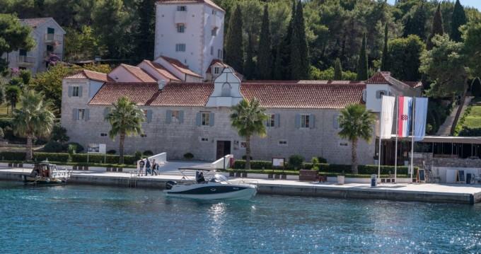 Location bateau Quicksilver Activ 755 Sundeck à Trogir sur Samboat