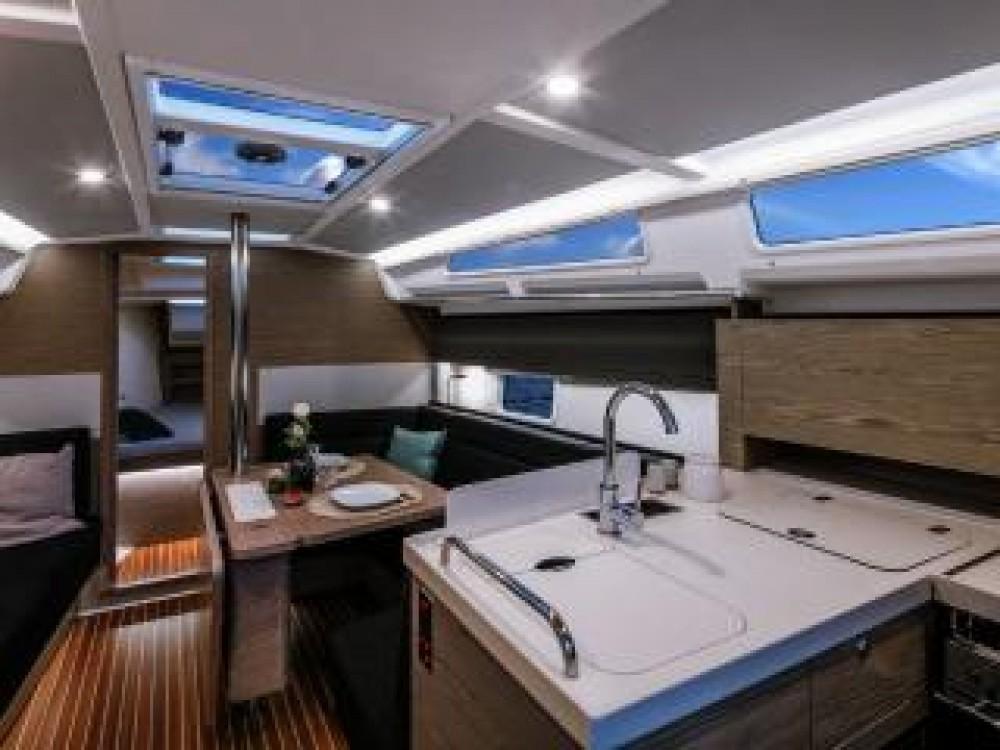 Rental Sailboat in Croatia - Hanse Hanse 388