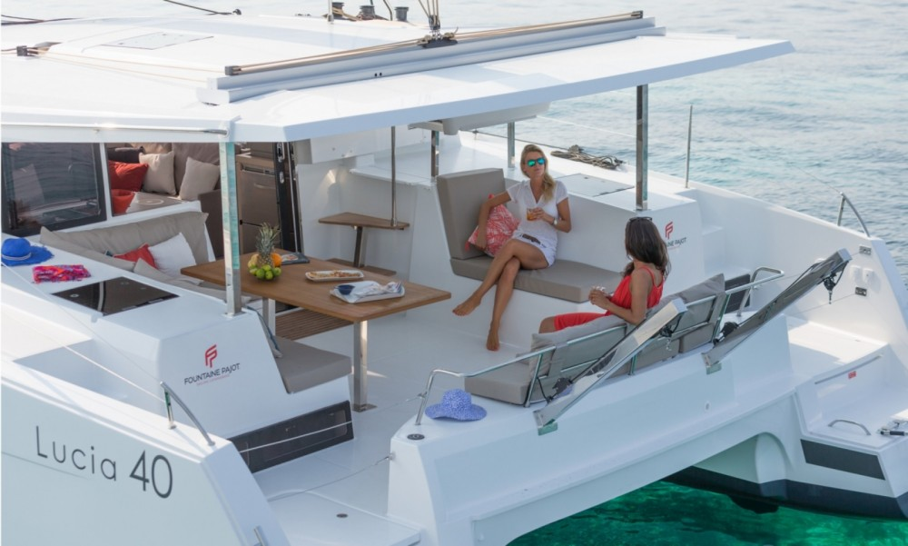 Rent a Fountaine Pajot Fountaine Pajot Lucia 40 Tortola