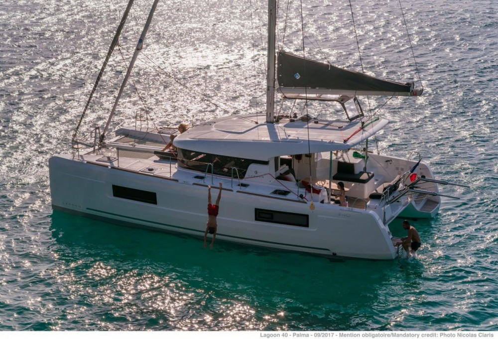 Rent a Lagoon Lagoon 40 - 4 + 2 cab  Balearic Islands