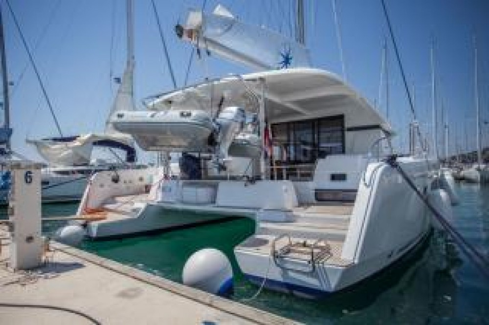 Rental Catamaran in Central Greece - Lagoon Lagoon 42