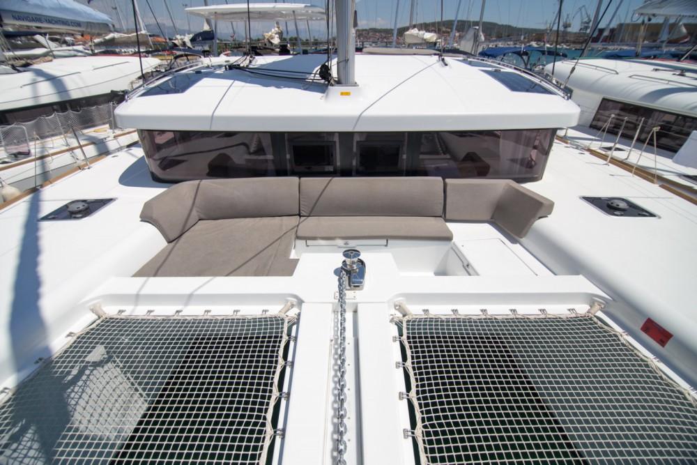 Rent a Lagoon Lagoon 450 S - 4 + 2 cab. Balearic Islands