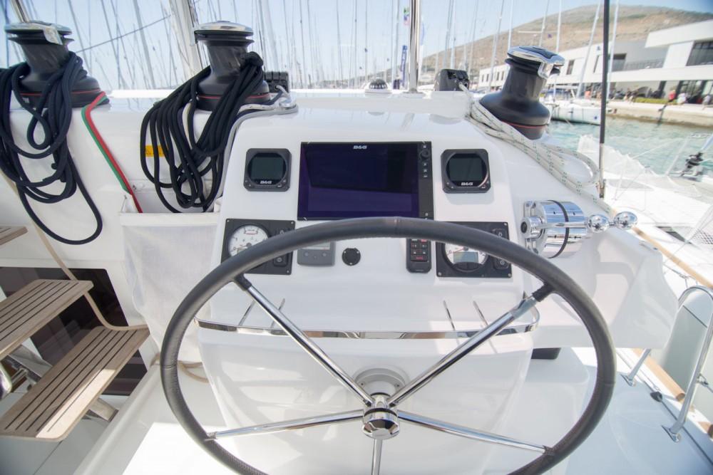 Boat rental Lagoon Lagoon 450 S - 4 + 2 cab. in Balearic Islands on Samboat