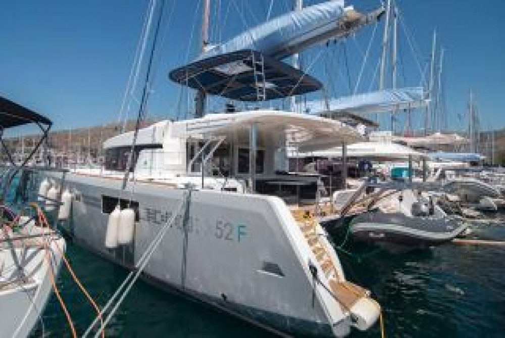 Lagoon Lagoon 52 - 5 + 2 cab. between personal and professional Central Greece