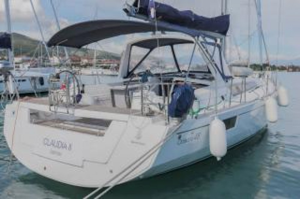 Boat rental Bénéteau Oceanis 48 - 4 cab. in Central Greece on Samboat