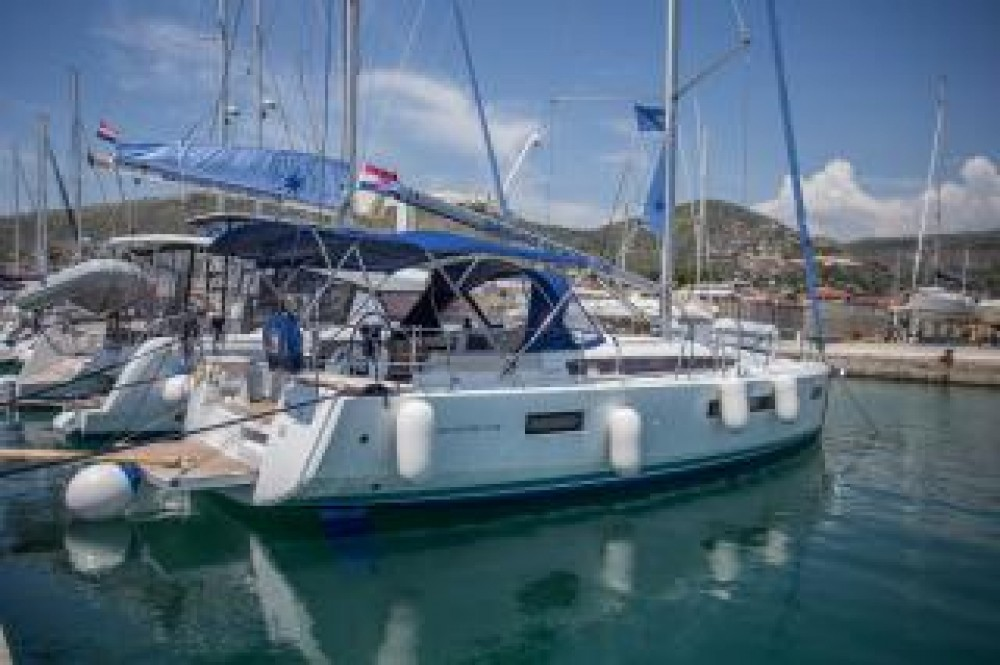 Jeanneau Sun Odyssey 440 between personal and professional Seget Donji