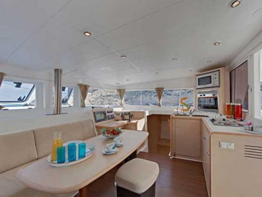 Rent a Lagoon Lagoon 40 - 4 + 1 cab. Palma