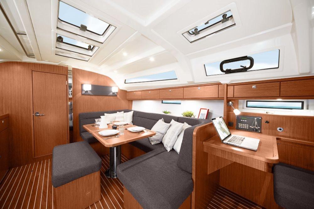 Boat rental Bavaria Bavaria Cruiser 41 - 3 cab. in Split on Samboat