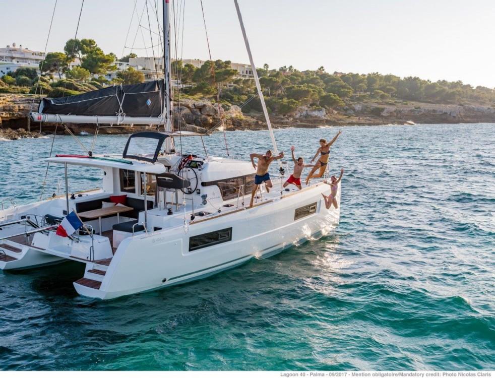 Rental yacht Split - Lagoon Lagoon 40 - 4 + 2 cab  on SamBoat