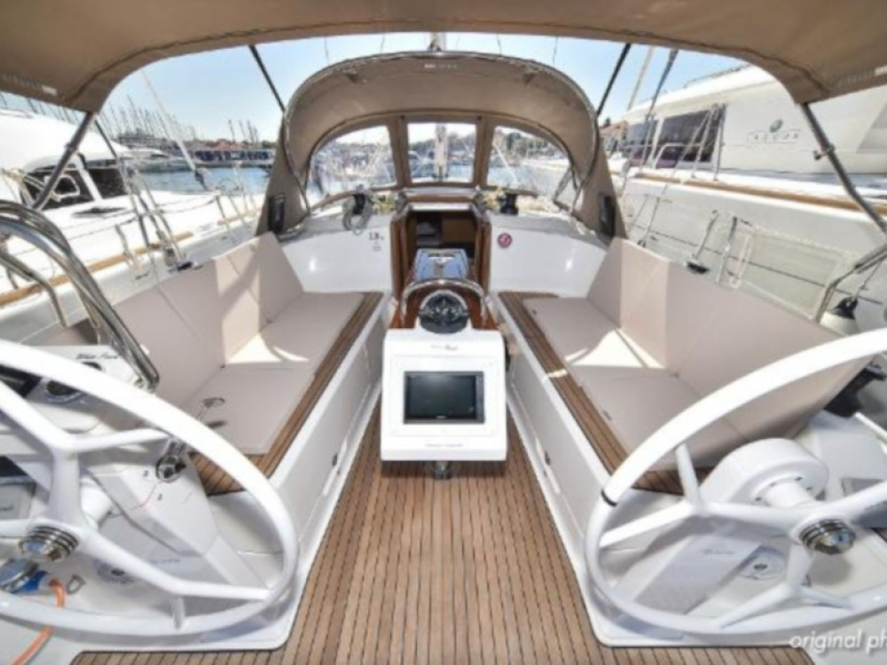 Boat rental Marina Zadar cheap Bavaria Cruiser 37