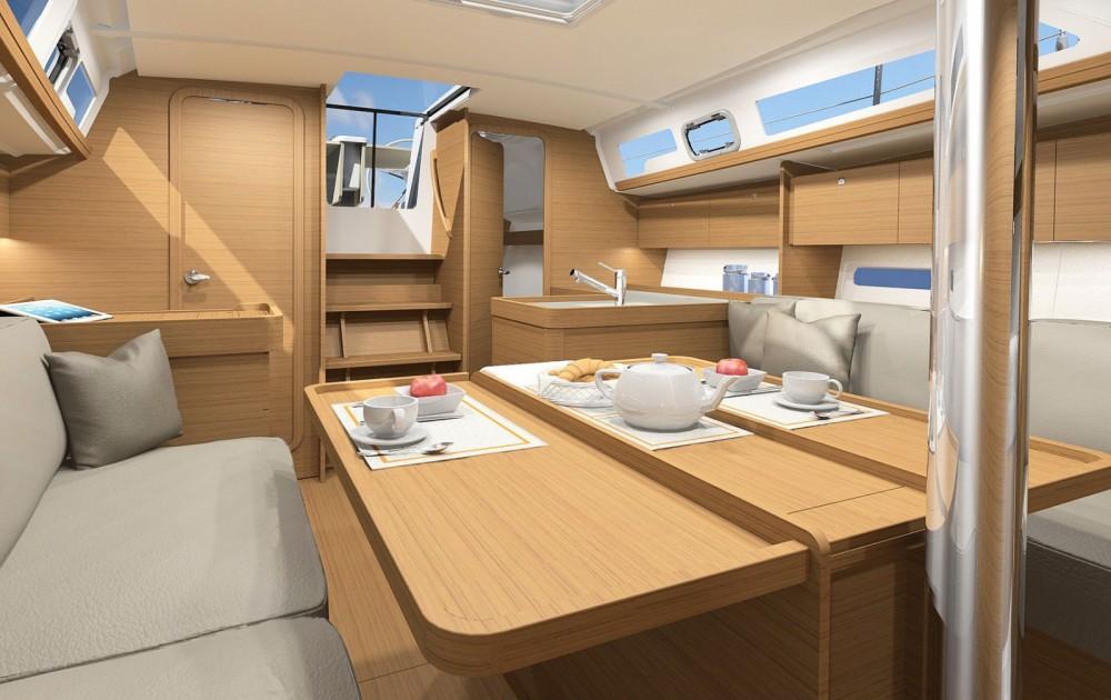 Boat rental Dufour Dufour 360 GL - 3 cab. in Primorsko-Goranska Županija on Samboat