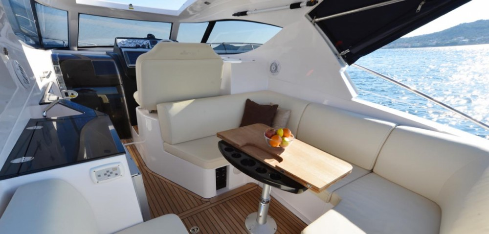 Boat rental Focus Motor Yachts Focus Power 33 Hard Top in Sukošan on Samboat