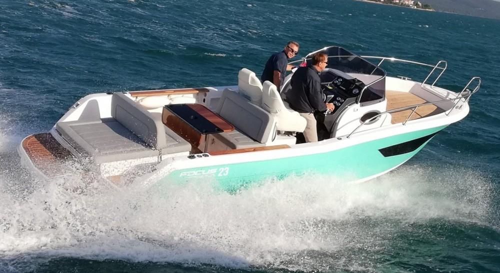 Focus Motor Yachts Focus SunDeck 23 between personal and professional Sukošan