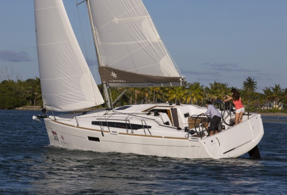 Jeanneau Sun Odyssey 349 - 2 cab. between personal and professional Marina Punat