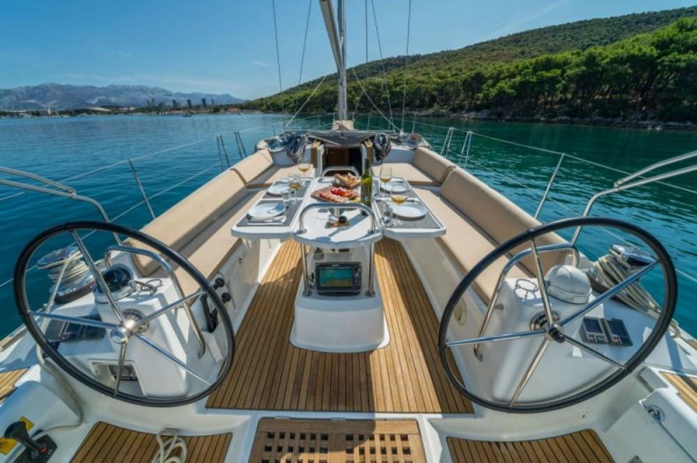 Boat rental Jeanneau Jeanneau 53 - 3 + 1 cab. in Marina LAV on Samboat