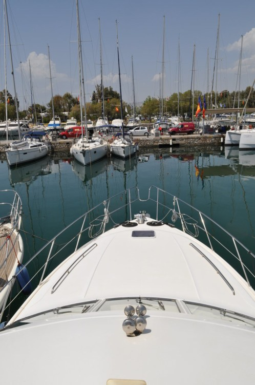 Hire Motor boat with or without skipper Princess-Yachts Central Greece