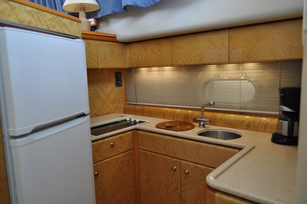 Princess-Yachts Princess 470 between personal and professional Central Greece