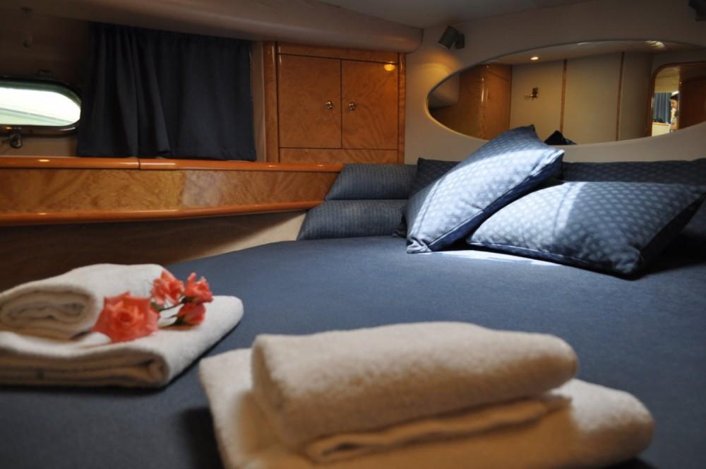 Boat rental Princess-Yachts Princess 470 in Central Greece on Samboat