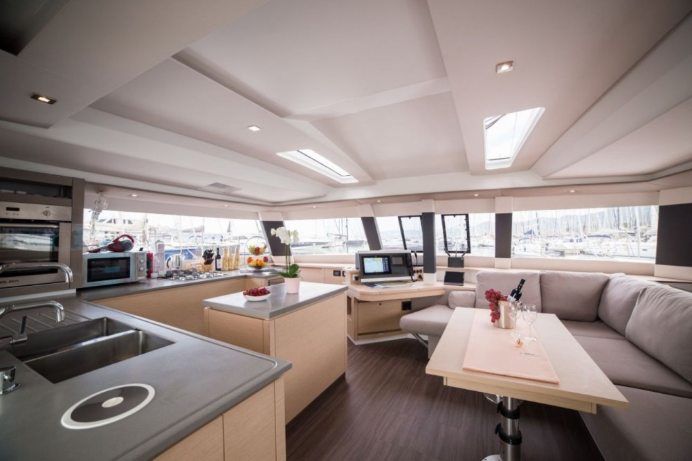 Fountaine Pajot Fountaine Pajot Saba 50 - 6 + 1 cab. between personal and professional Seget Donji