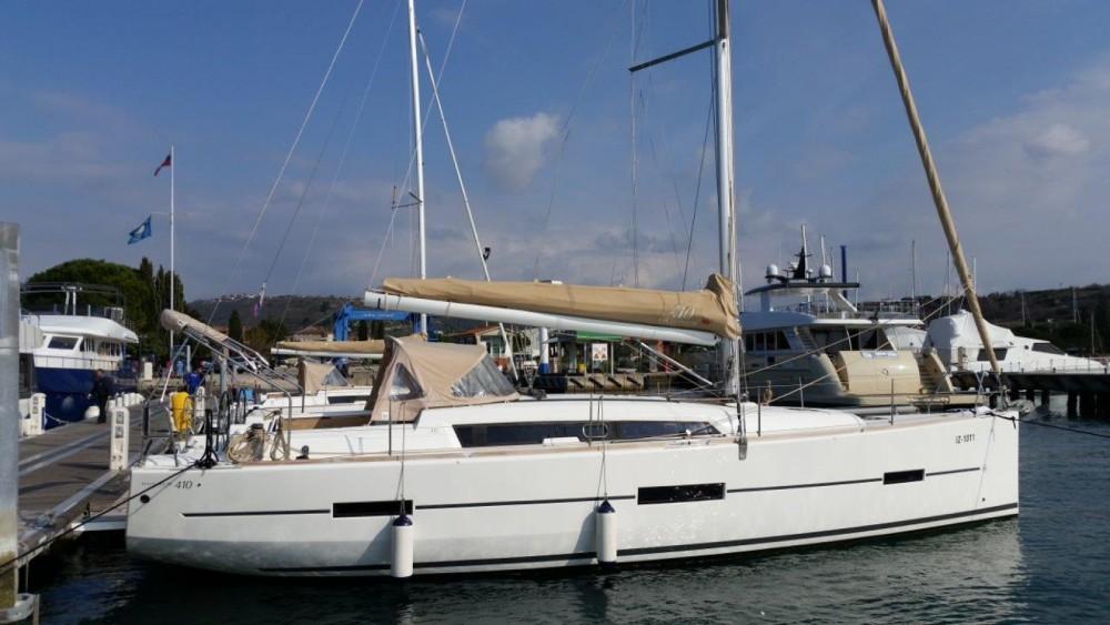 Rental Sailboat in Marina Punat - Dufour Dufour 410 GL