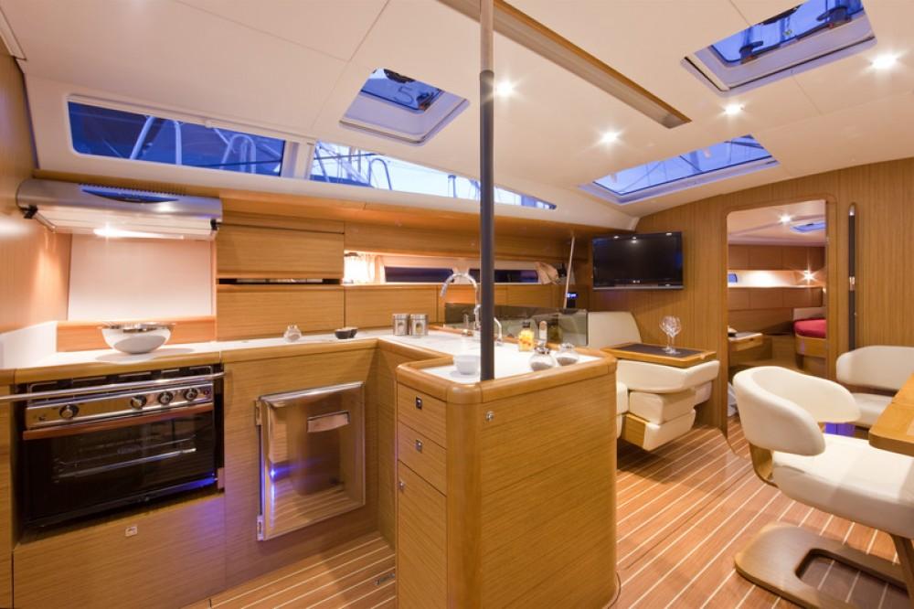 Boat rental Jeanneau Jeanneau 53 - 5 + 1 cab. in Central Greece on Samboat