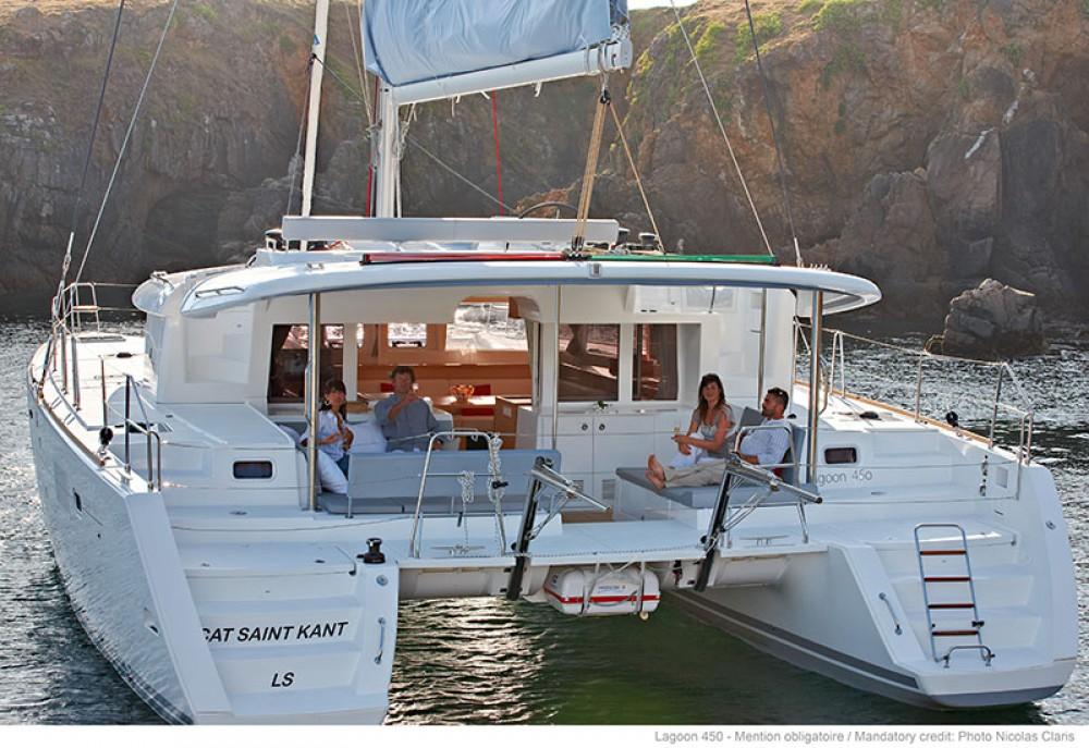 Rental Catamaran in Lefkas - Lagoon Lagoon 450 - 4 + 2 cab.