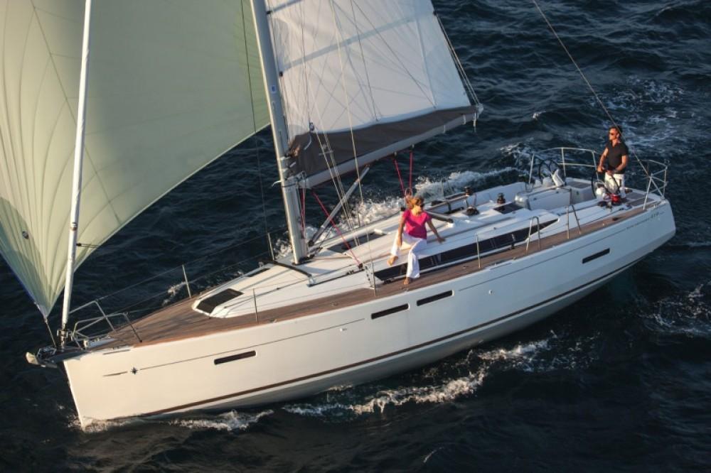 Boat rental Jeanneau Sun Odyssey 419 in Central Greece on Samboat