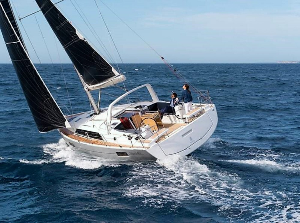 Rental Sailboat in Laurium - Bénéteau Oceanis 41.1