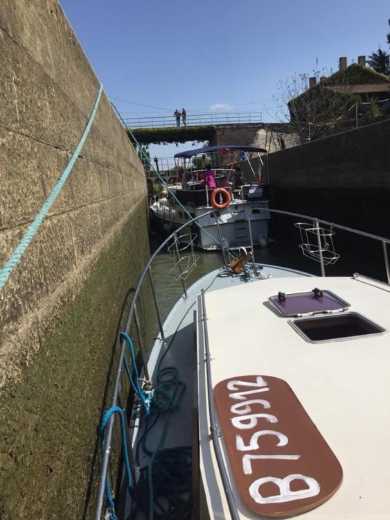 Louer Péniche avec ou sans skipper Condor à Pont-de-Vaux