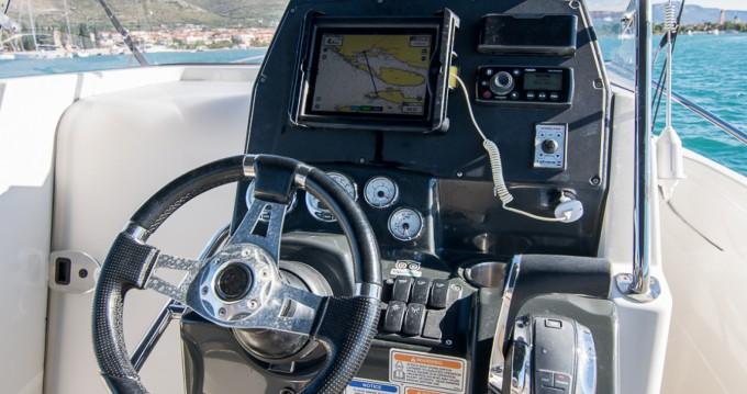 Quicksilver Activ 805 entre particuliers et professionnel à Trogir