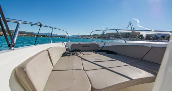 Location bateau Quicksilver Activ 805 à Trogir sur Samboat