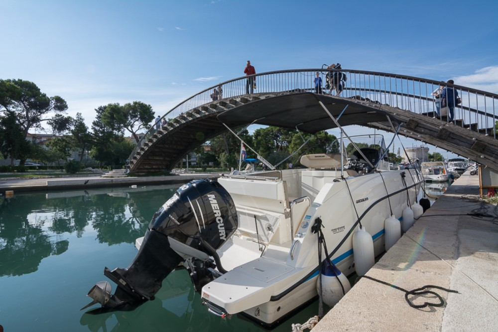 Quicksilver Activ 805 between personal and professional Trogir