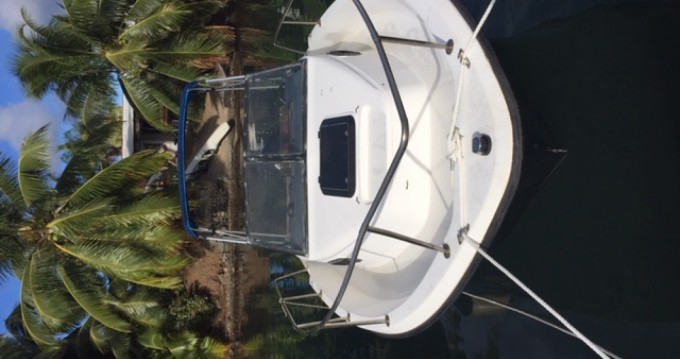 Bayliner Bayliner 210 DB between personal and professional Papeete