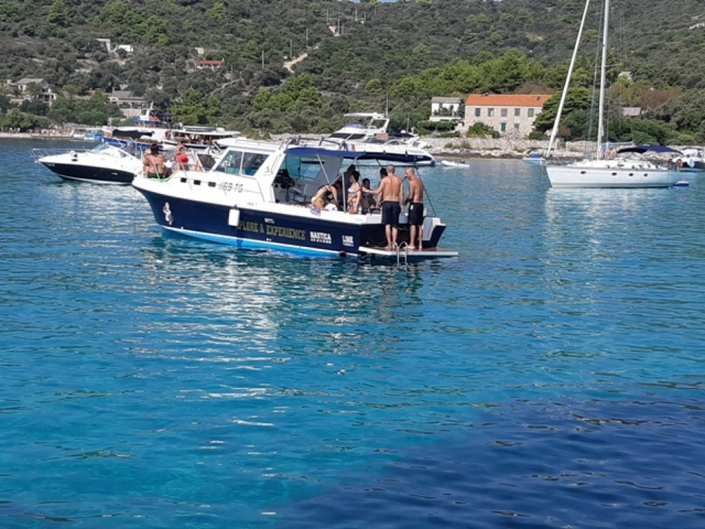 Hire Motor boat with or without skipper Albin Trogir
