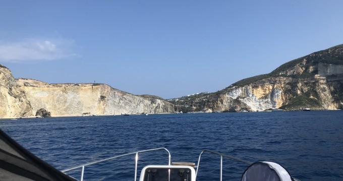 Louer Bateau à moteur avec ou sans skipper Saver à San Felice Circeo